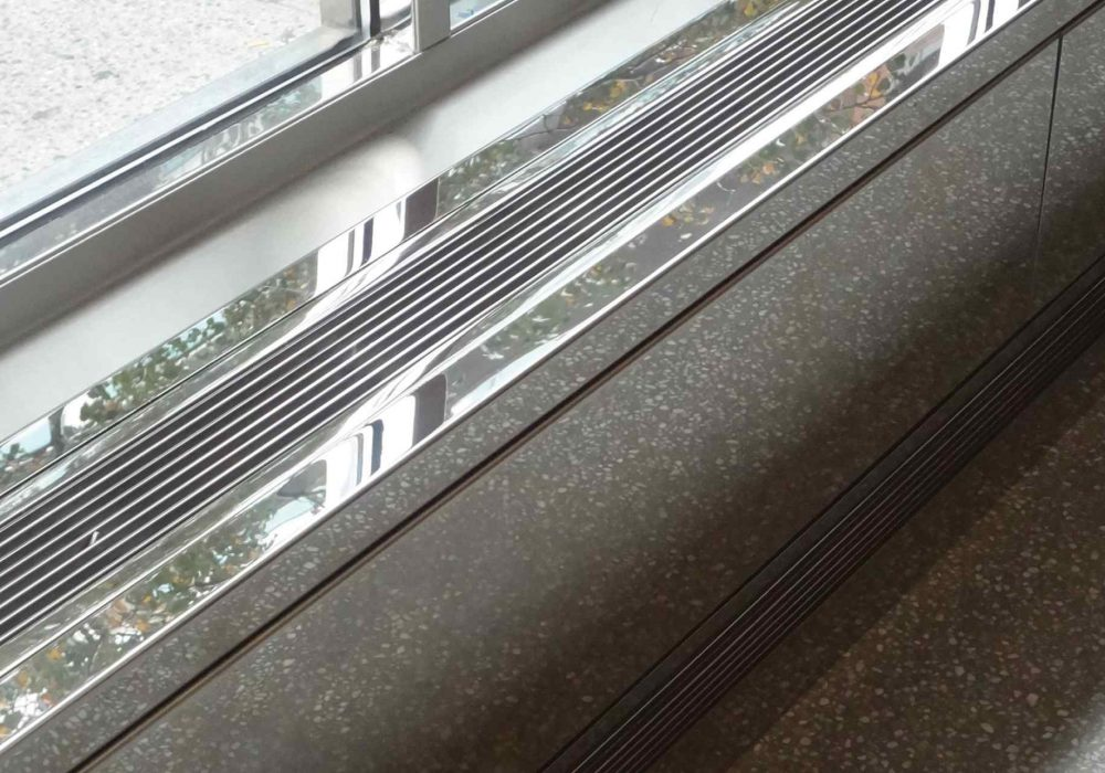 AAG100 Mirror Polished Stainless Linear Grilles